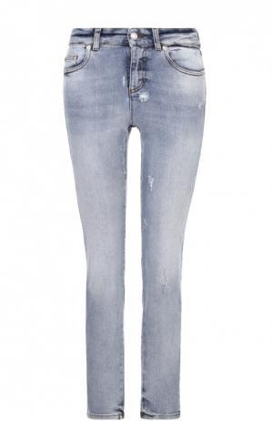 Укороченные джинсы-скинни с потертостями Alexander McQueen. Цвет: голубой