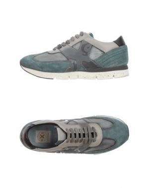 Низкие кеды и кроссовки O.X.S.. Цвет: зеленый