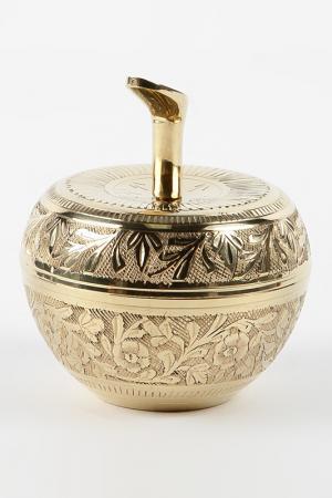 Шкатулка Яблоко 7,2 см Moradabad Handicrafts of India. Цвет: золотой