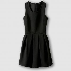 Платье без рукавов с плиссировкой RELZA SCHOOL RAG. Цвет: черный