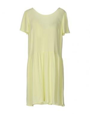 Короткое платье DES PETITS HAUTS. Цвет: кислотно-зеленый