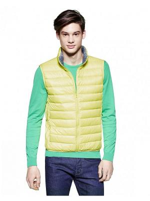 Жилет United Colors of Benetton. Цвет: желтый
