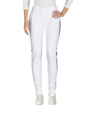 Повседневные брюки PAOLA T.. Цвет: белый