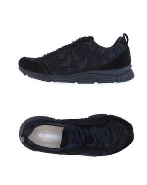 Низкие кеды и кроссовки DIADORA HERITAGE. Цвет: черный