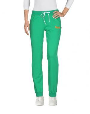 Повседневные брюки CARLSBERG. Цвет: зеленый