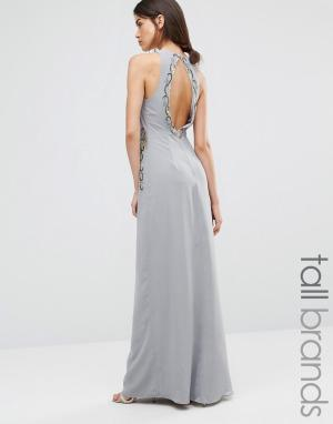 Maya Tall Платье макси с отделкой и вырезом на спинке. Цвет: серый