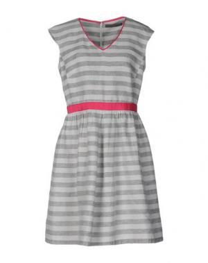 Короткое платье 19.70 NINETEEN SEVENTY. Цвет: светло-серый