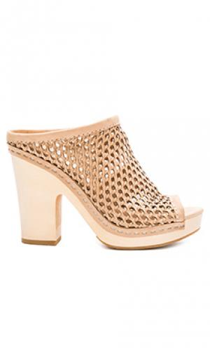 Обувь на каблуке brooks Dolce Vita. Цвет: беж