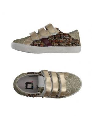 Низкие кеды и кроссовки D.A.T.E. KIDS. Цвет: платиновый