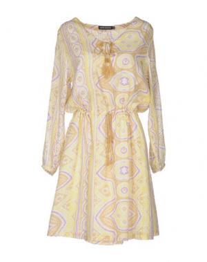 Короткое платье ANTIK BATIK. Цвет: бежевый