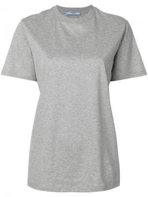 Классическая футболка Prada. Цвет: серый