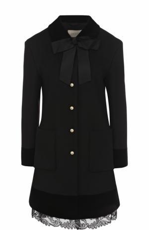 Шерстяное пальто с бантом и кружевной отделкой Gucci. Цвет: черный