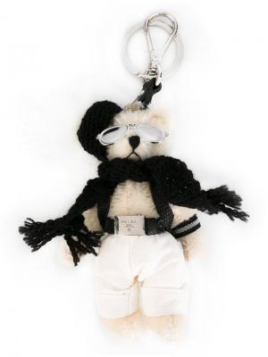 Брелок в виде медведя Prada. Цвет: белый