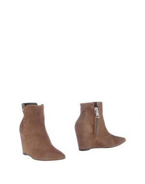 Полусапоги и высокие ботинки MANILA GRACE. Цвет: коричневый