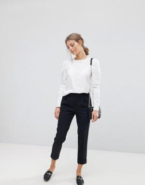 Esprit Строгие укороченные брюки. Цвет: черный