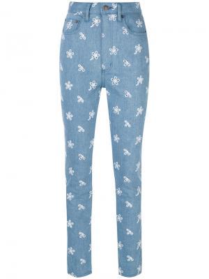 Джинсы с завышенной талией и сквозной вышивкой Marc Jacobs. Цвет: синий