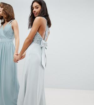 Maya Petite Платье макси с пайетками на лифе, вырезами и бантом спине Peti. Цвет: синий