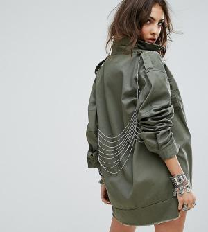 Sacred Hawk Куртка в стиле милитари с отделкой цепочками. Цвет: зеленый