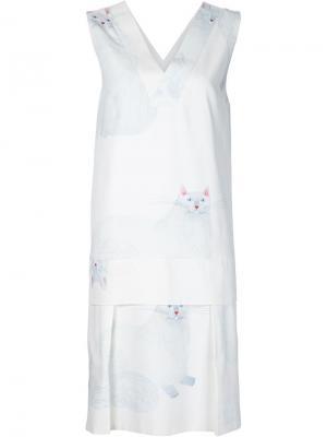 Платье с V-образным вырезом и принтом кота Arthur Arbesser. Цвет: белый