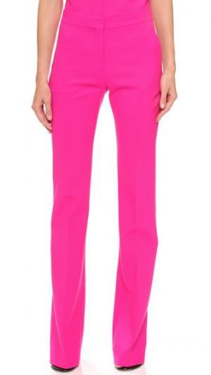 Идеально скроенные расклешенные брюки Victoria Beckham. Цвет: фуксия