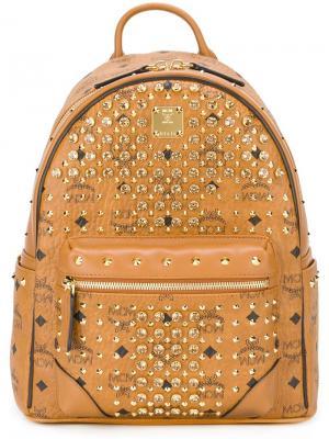 Рюкзак с заклепками MCM. Цвет: телесный