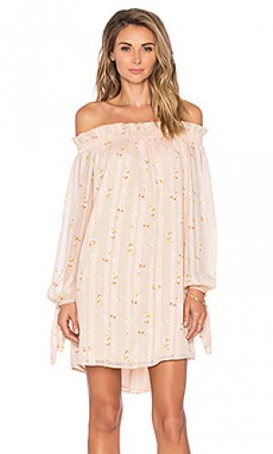 Платье WAYF. Цвет: цвет загара