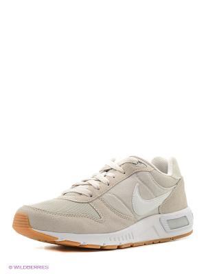 Кроссовки NIGHTGAZER Nike. Цвет: молочный, белый
