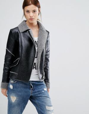 Urbancode Куртка-авиатор. Цвет: черный