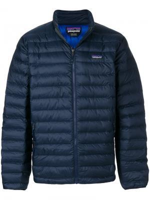 Куртка-пуховик кроя слим на молнии Patagonia. Цвет: синий