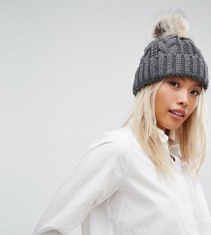 Stitch & Pieces Серая шапка-бини крупной вязки с помпоном. Цвет: серый