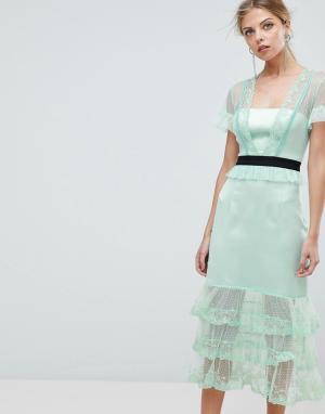 Three Floor Ярусное платье миди с контрастным поясом. Цвет: зеленый