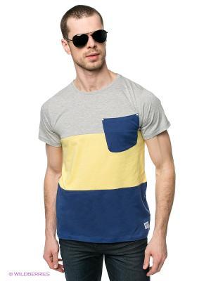Футболка CLWR. Цвет: синий, желтый