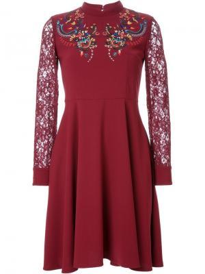 Расклешенное платье Murral. Цвет: красный
