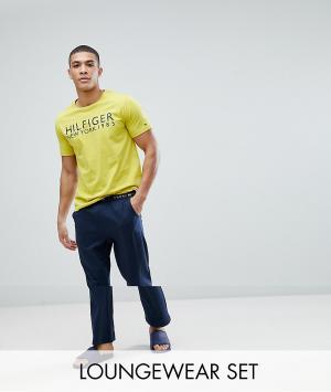 Tommy Hilfiger Пижамный комплект с желтой футболкой и темно-синими брюками Hilf. Цвет: мульти