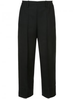 Классические укороченные широкие брюки Lemaire. Цвет: чёрный