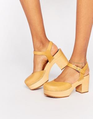 Swedish Hasbeens Коричневые кожаные туфли на каблуке. Цвет: рыжий