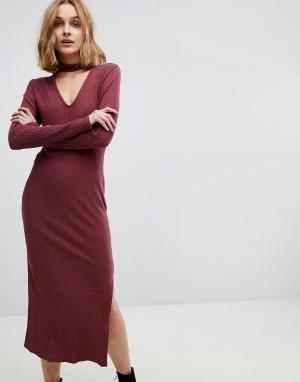 NYTT Платье миди с чокером. Цвет: красный