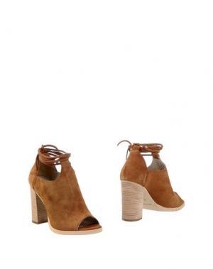 Полусапоги и высокие ботинки UNLACE. Цвет: верблюжий