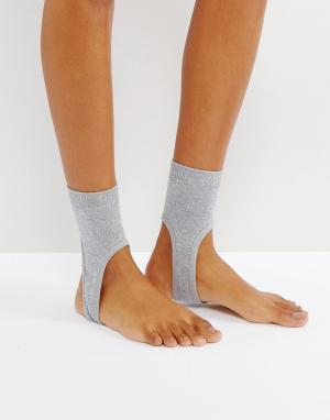ASOS Блестящие носки со штрипками. Цвет: серебряный