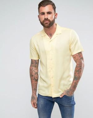 ASOS Желтая вискозная рубашка классического кроя с отложным воротником. Цвет: желтый