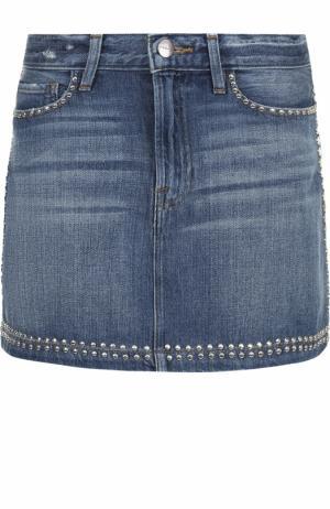 Джинсовая мини-юбка с потертостями и заклепками Frame Denim. Цвет: голубой