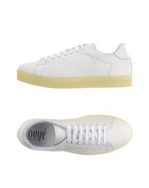Низкие кеды и кроссовки OVYE' BY CRISTINA LUCCHI. Цвет: белый