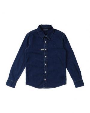 Джинсовая рубашка TOMMY HILFIGER. Цвет: синий