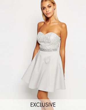 Lipsy Платье-бандо мини для выпускного с пайетками. Цвет: серебряный