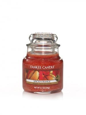 Свеча маленькая  в стеклянной банке Пряный апельсин Spiced orange 104 гр / 25-45 часов YANKEE CANDLE. Цвет: оранжевый