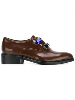 Декорированные туфли Toga. Цвет: коричневый