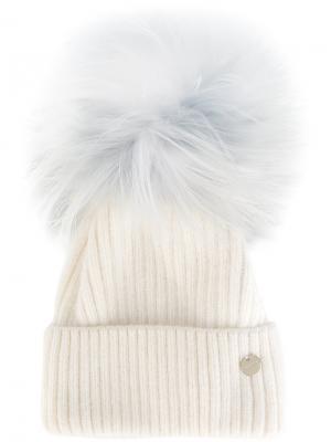 Вязаная шапка со съемным помпоном Yves Salomon. Цвет: белый