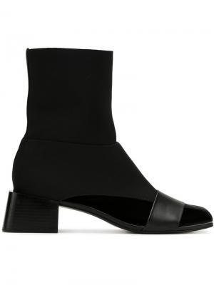 Asymmetric boots Gloria Coelho. Цвет: чёрный