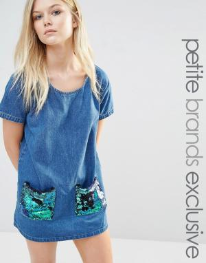 Liquor & Poker Petite Цельнокройное джинсовое платье с пайетками на карманах. Цвет: синий