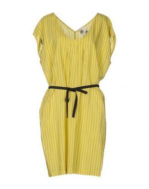 Короткое платье ATTIC AND BARN. Цвет: желтый